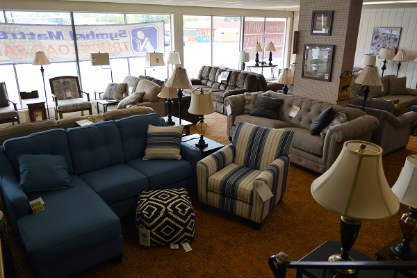 Attirant ... Grand Rapids, Minnesota For Quality Furniture At Closeout Prices. Here  Youu0027ll Find Closeout, Discontinued, And One Of A Kind Furniture And  Accessory ...